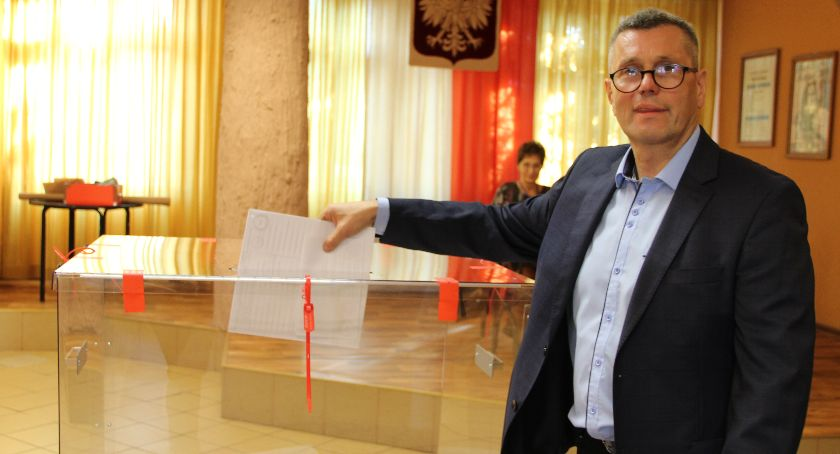 Partie polityczne, Henryk Szopiński zdobył mandat posła - zdjęcie, fotografia