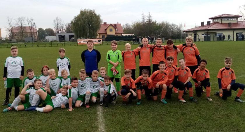 Piłka nożna, Akademia Piłkarska Start Jastrowie kontra Iskra Wyszyny - zdjęcie, fotografia