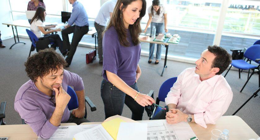 Biznes i praca, urządzić małe biuro praktyczne wskazówki projektanta Katowic - zdjęcie, fotografia