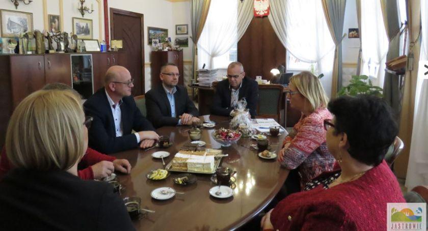 Samorządowcy, wizytą Karlinie - zdjęcie, fotografia