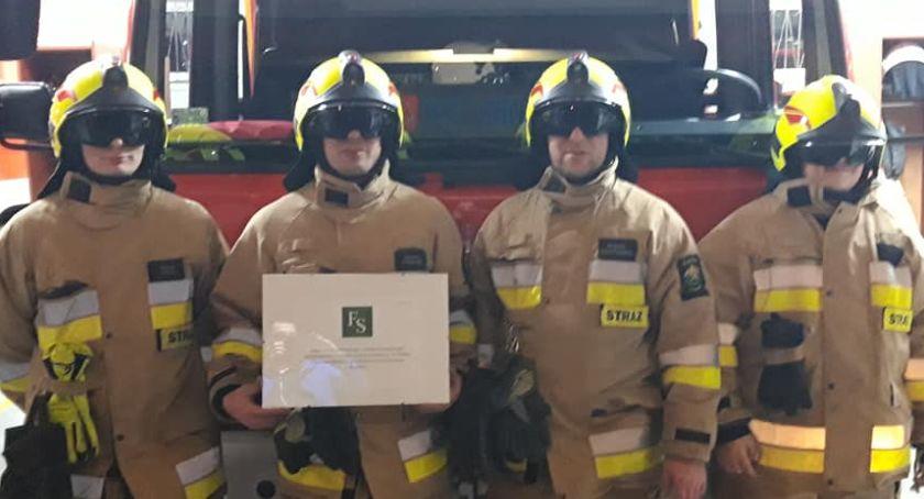 Straż pożarna, hełmy strażaków Zakrzewo - zdjęcie, fotografia