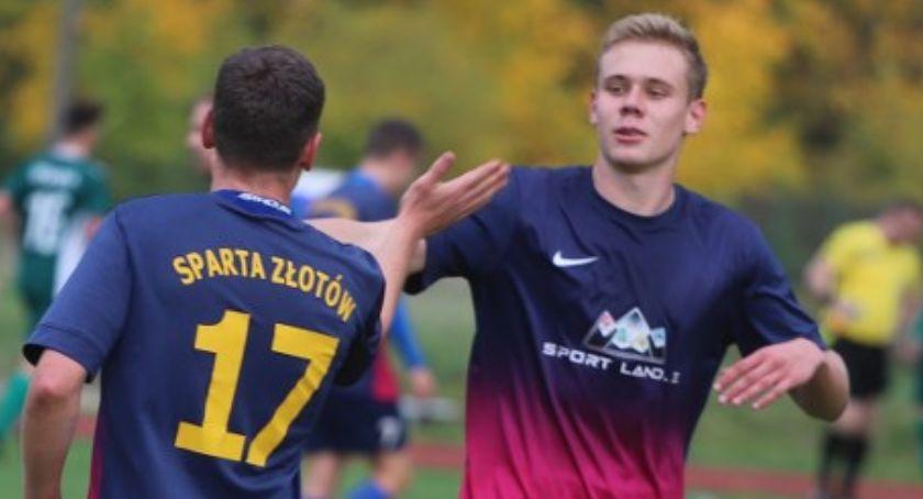 Piłka nożna, Sparta Złotów kontra Leśnik Margonin - zdjęcie, fotografia