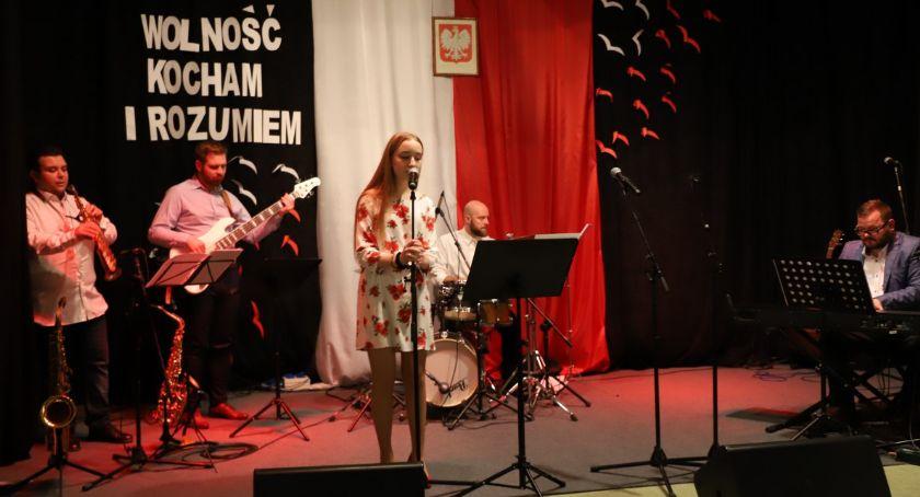 Koncerty muzyka, Koncert piosenką wolności Tarnówce - zdjęcie, fotografia