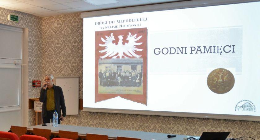 Edukacja, Prezentacja Godni pamięci CKZiU - zdjęcie, fotografia