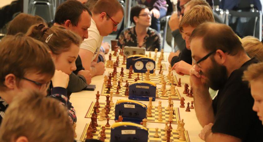 Szachy karty, Turniej szachowy okazji rocznicy odzyskania Niepodległości - zdjęcie, fotografia