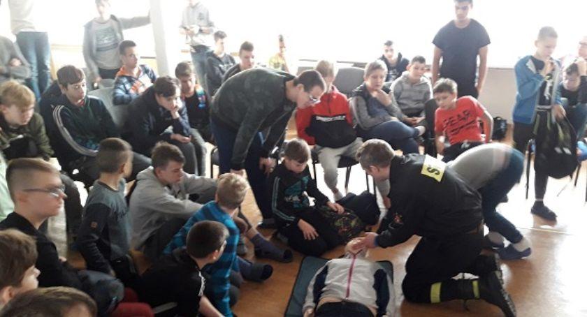 Straż pożarna, Spotkanie Młodzieżowym Ośrodku Socjoterapii Krajence - zdjęcie, fotografia