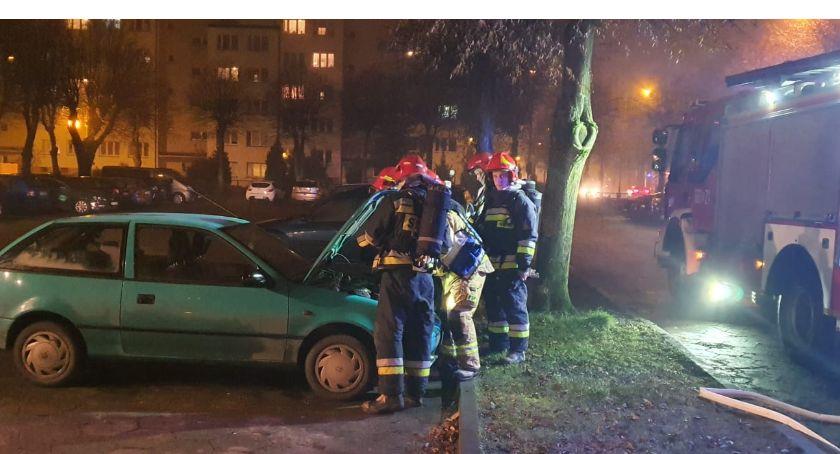 Straż pożarna, Pożar samochodu Złotowie - zdjęcie, fotografia