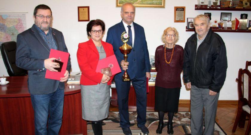 Samorządowcy, Jubileuszowe wyróżnienia starosty wicestarosty - zdjęcie, fotografia