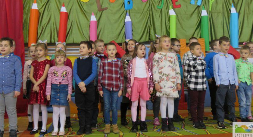 Edukacja, Pasowanie ucznia Szkole Podstawowej Jastrowiu - zdjęcie, fotografia