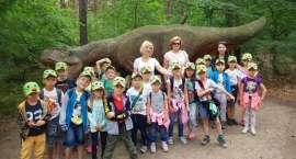 Pszczółki i Motylki z Przedszkola nr 3 w Złotowie w parku dinozaurów