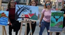 Wystawa poplenerowa na placu Paderewskiego w Złotowie