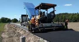 Osowo zyskuje asfalt - trwa przebudowa drogi gminnej
