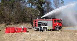 Wspólne ćwiczenia strażaków nad Gwdą