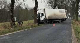 Wypadek ciężarówki w Ratajach
