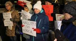 Kolejny protest przed budynkiem Sądu Rejonowego w Złotowie