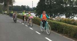 Uczniowie Zespołu Szkół Katolickich na wycieczce rowerowej
