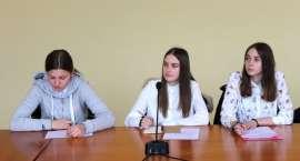 Pracownicy Wydziału Ochrony Środowiska, Rolnictwa i Leśnictwa spotkali się z gimnazjalistami