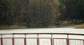 O krok od tragedii nad jeziorem. Mógł utonąć 11-latek