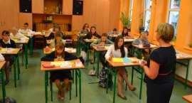 """''GRAMMAR IS COOL AT SCHOOL"""" czyli konkurs języka angielskiego"""