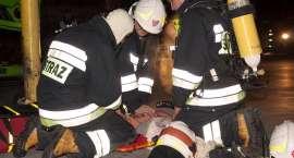 Nocne manewry strażaków