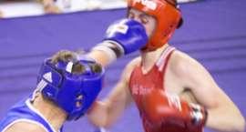 Polały się pot i krew na gali boksu