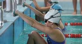 Mikołajkowe zawody szkół podstawowych w pływaniu