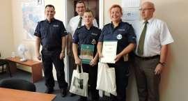 Policjanci Wydziału Ruchu Drogowego pomogli w działaniach i zapobiegli pożarowi lasu