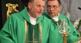 Parafianie pożegnali księdza Dariusza Chabraszewskiego i powitali księdza Kazimierza Świderskiego