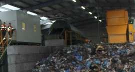 Pożar śmieci. 8 zastępów w akcji