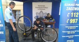 Znakowanie rowerów przy Urzędzie Miasta