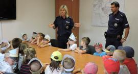 Przedszkolaki z Sunny Days z wizytą w Komendzie Powiatowej Policji w Złotowie