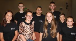 Młodzież w Jastrowiu pracuje bez kasy, ale nie za darmo