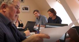 Jerzy Kołodziejczyk zarzuca A. Pulitowi kłamstwo - pokazuje mapy i dokumenty