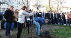 Uczniowie I LO uczcili stulecie odzyskania przez Polskę Niepodległości