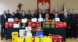 Strażacy z gminy Łobżenica dostali nowy sprzęt
