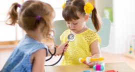 Pobaw się i pozarażaj, czyli chorujące dzieci w przedszkolach