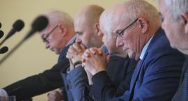 Członkowie zarządu powiatu starli się z radnymi Prawa i Sprawiedliwości