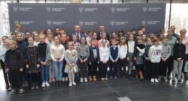 Uczniowie Zespołu Szkół Katolickich z wizyta w Urzędzie Marszałkowskim