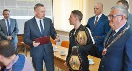 Gratulacje dla Damiana Wrzesińskiego- mistrza Polski w boksie[WIDEO]