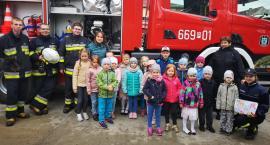 Przedszkolaki z wizytą u strażaków z OSP Jastrowie