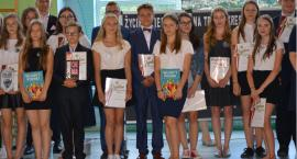 Zakończenie roku szkolnego gimnazjalistów i ósmoklasistów w Krajence