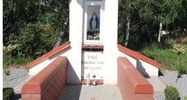 Kapliczka odnowiona po dewastacji
