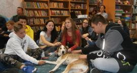 Z psem do biblioteki w Okonku