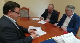 Burmistrz podpisał umowę