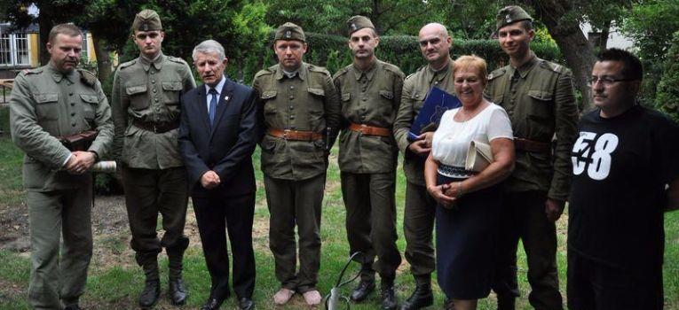Imprezy historyczne, sierpnia czyli Pułk walczył bestią zwyciężył - zdjęcie, fotografia