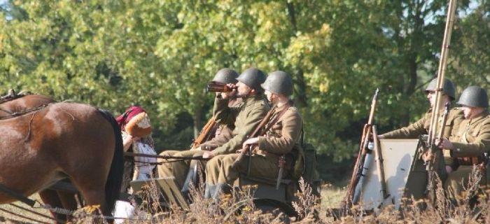 Pojazdy historyczne, Taczanka radio inscenizacji Łomianki - zdjęcie, fotografia