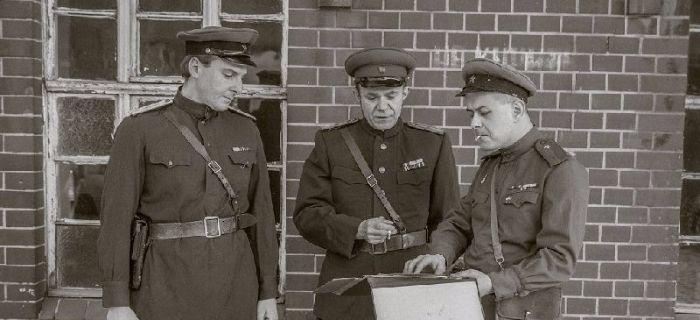 Kolekcje, Nietypowy projekt rekonstrukcyjny zostałem radzieckim oficerem - zdjęcie, fotografia