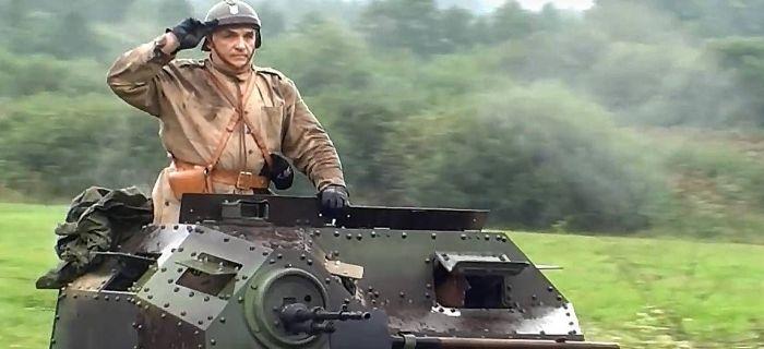 Pojazdy historyczne, Pokaz dynamiczny broni pancernej Tomaszowem wideo - zdjęcie, fotografia