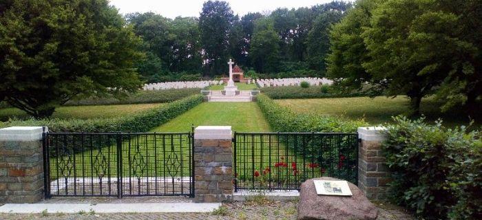 Społeczność, Cmentarz wojenny - zdjęcie, fotografia
