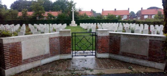 Społeczność, Brytyjski cmentarz wojenny Milsbeek - zdjęcie, fotografia